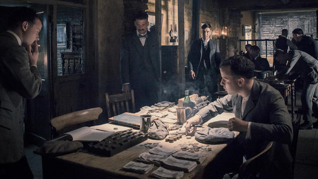 3039494-inline-i-4-weird-name-stellar-production-why-peaky-blinders-is-the-years-most-immersive-crime-seri